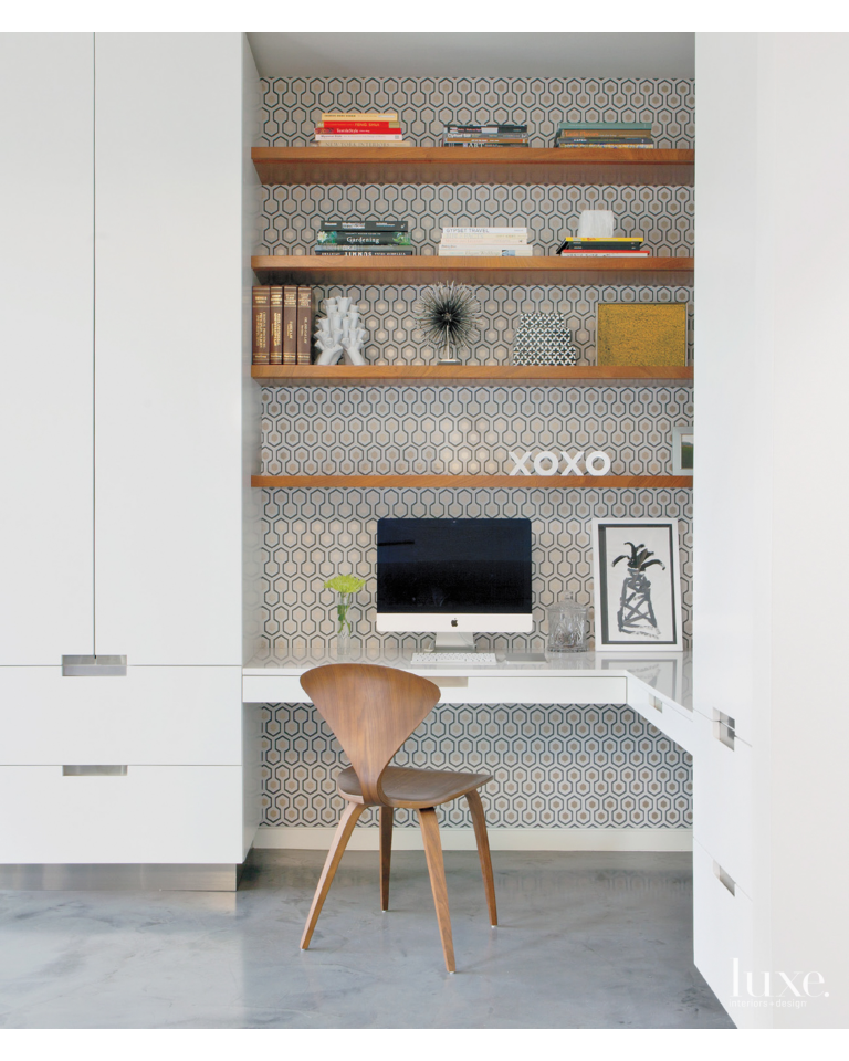 I Am Often Asked About Incorporating A Study Office Area Into A Kitchen Space And This Picture Shows How This Can Be Done S Kitchen Office Nook Study Nook Home