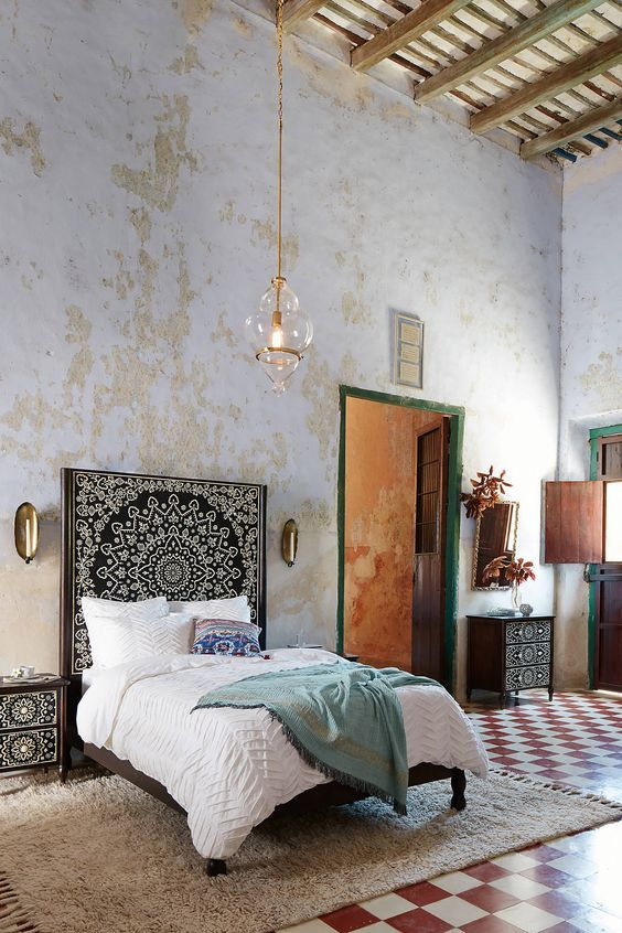 Moroccan Inspired Bedroom     Vicki Archer //  Https://www.instagram.com/vickiarcher/