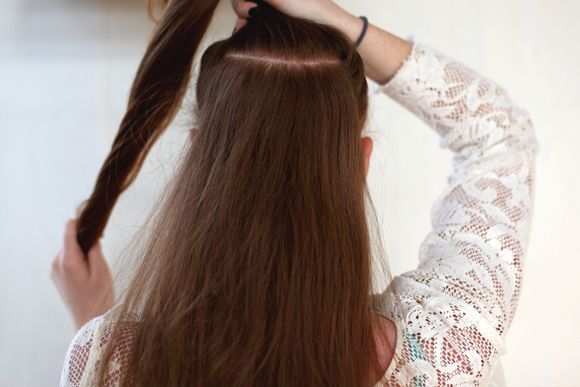 Easy Hair Trick: Super Long Ponytail #fullerponytail Beauty Inspiration – Ponytail Trick – Get a Longer, Fuller Ponytail | Free People Blog #fullerponytail Easy Hair Trick: Super Long Ponytail #fullerponytail Beauty Inspiration – Ponytail Trick – Get a Longer, Fuller Ponytail | Free People Blog #fullerponytail