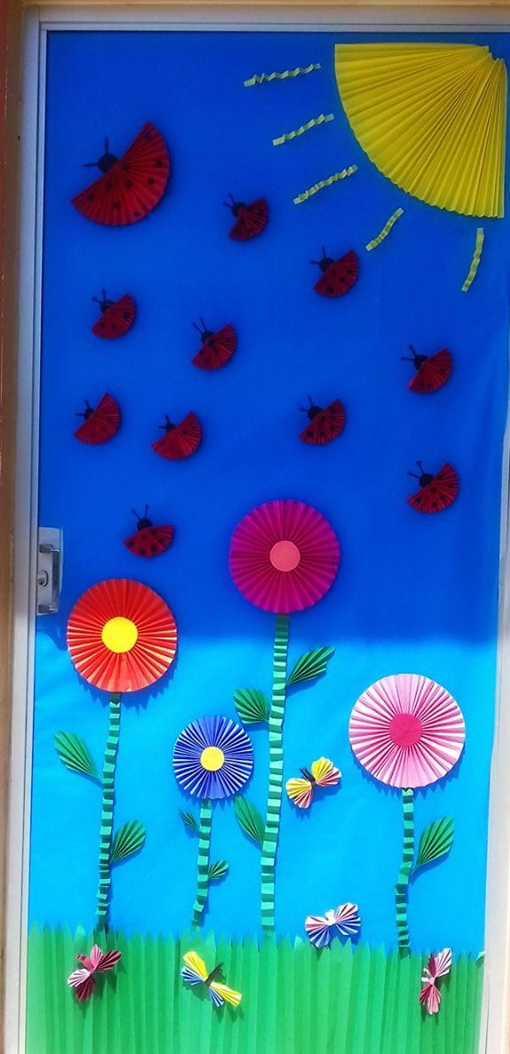 puerta decorada de primavera puertas decoradas puertas