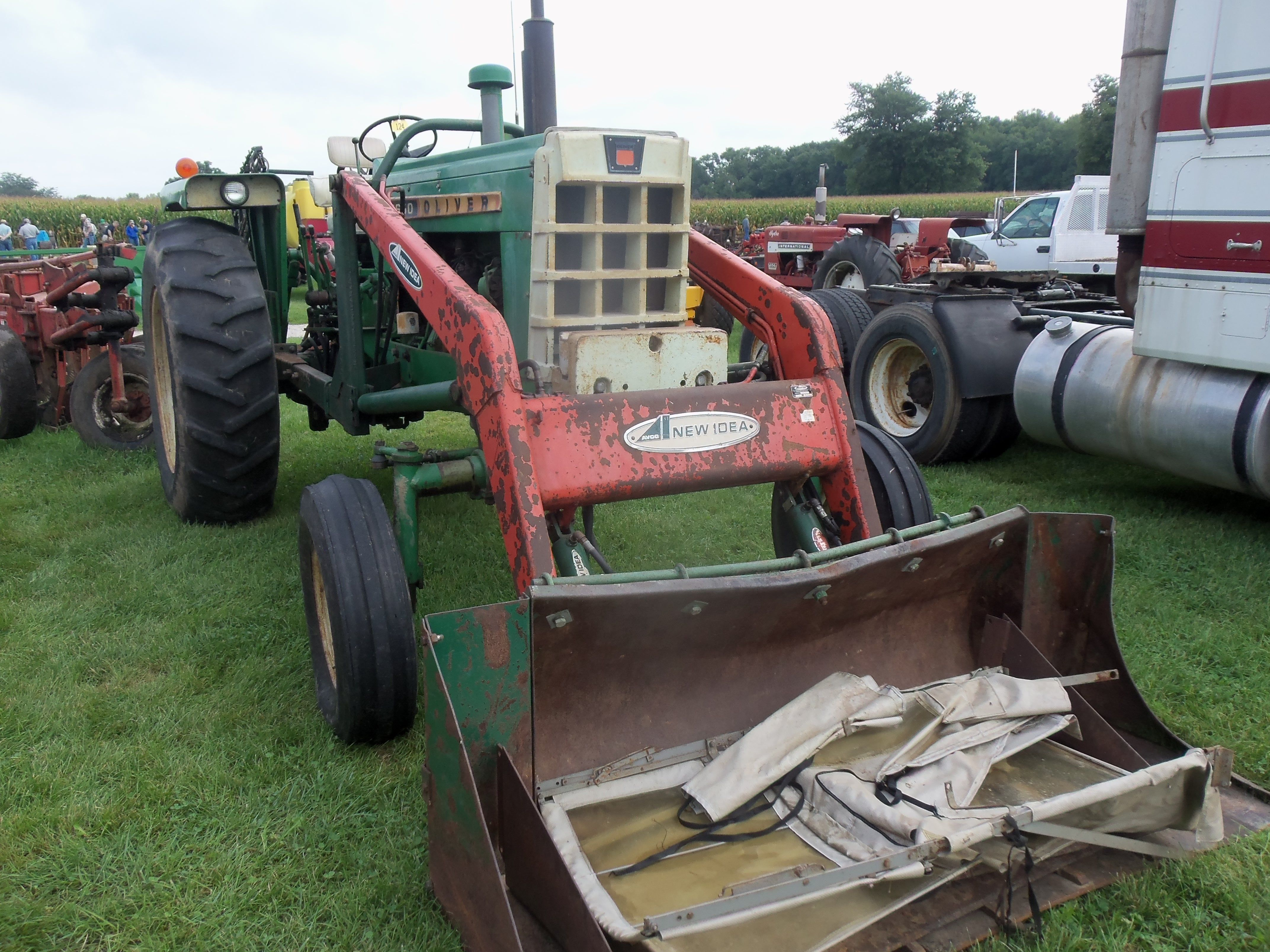 66hp Oliver 1650 with New Idea loader   Oliver Tractors