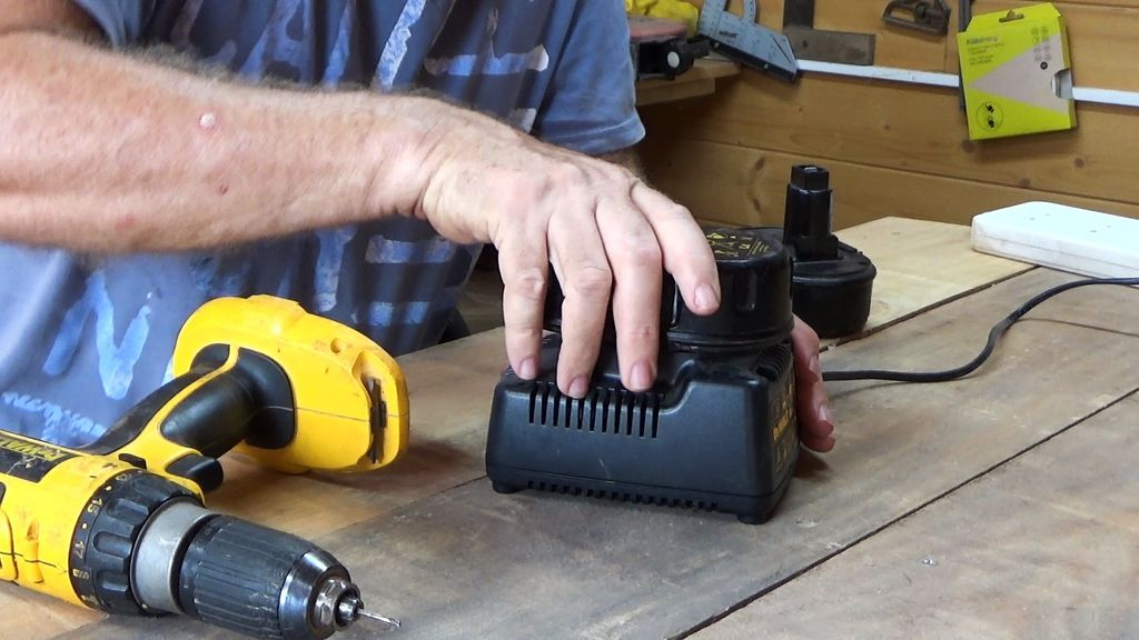 How To Revive Dead Power Tool Batteries Power Tool Batteries Batteries Cordless Drill Batteries