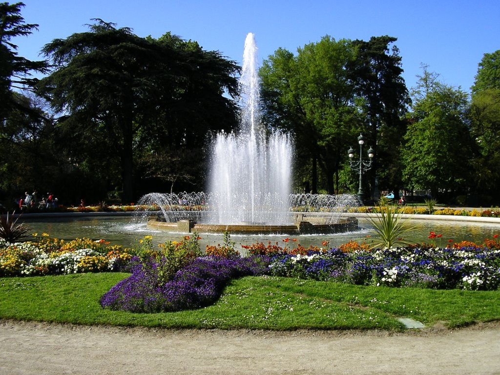 Fountain. Jardin-des-Plantes. Toulouse, France. The Jardin des ...