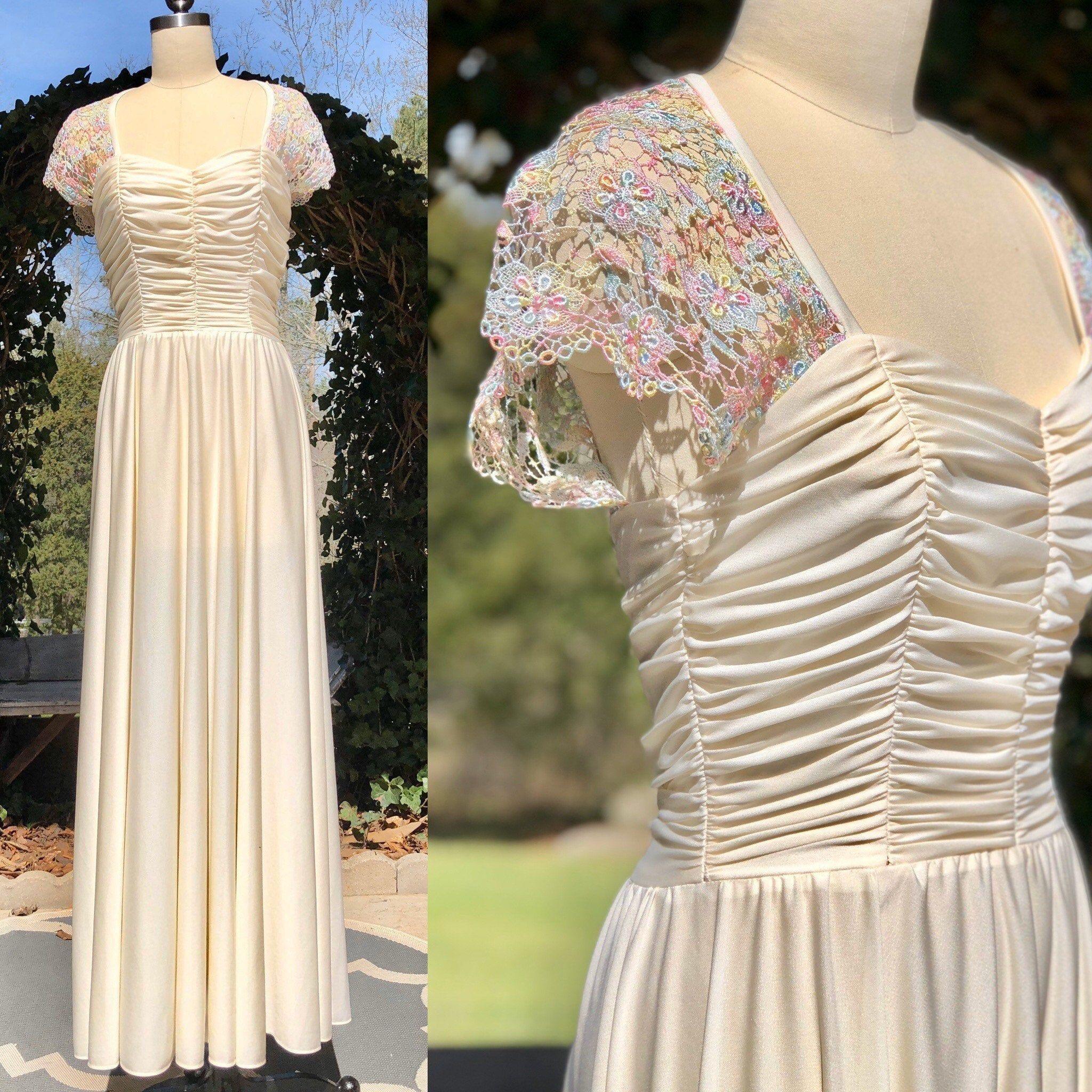 70s Dress Vintage 1970s Dress Maxi White Ivory Jersey Knit Etsy Vintage Dresses Prom Dresses Vintage Dresses [ 2048 x 2048 Pixel ]