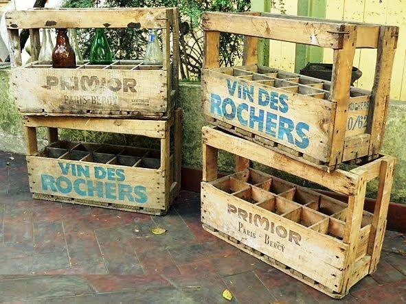 caisses de bois anciennes de vins primio et vins des rochers taille r elle pour mod le mes. Black Bedroom Furniture Sets. Home Design Ideas