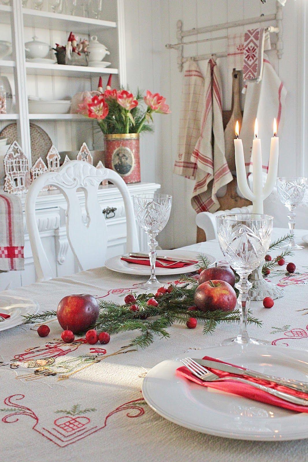 Scandinavian Christmas Tablescape Christmas Table Settings Country Christmas Decorations Scandinavian Christmas Decorations