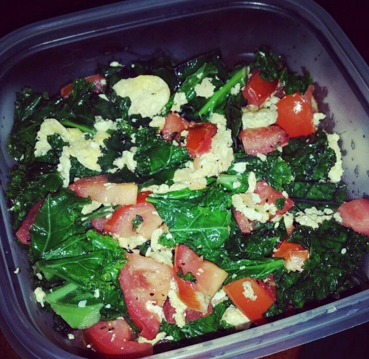 Easy and quick. Spinach, egg whites, tomatoes, tossed in coconut oil pan... once eggs are cooked enjoy your healthy meal