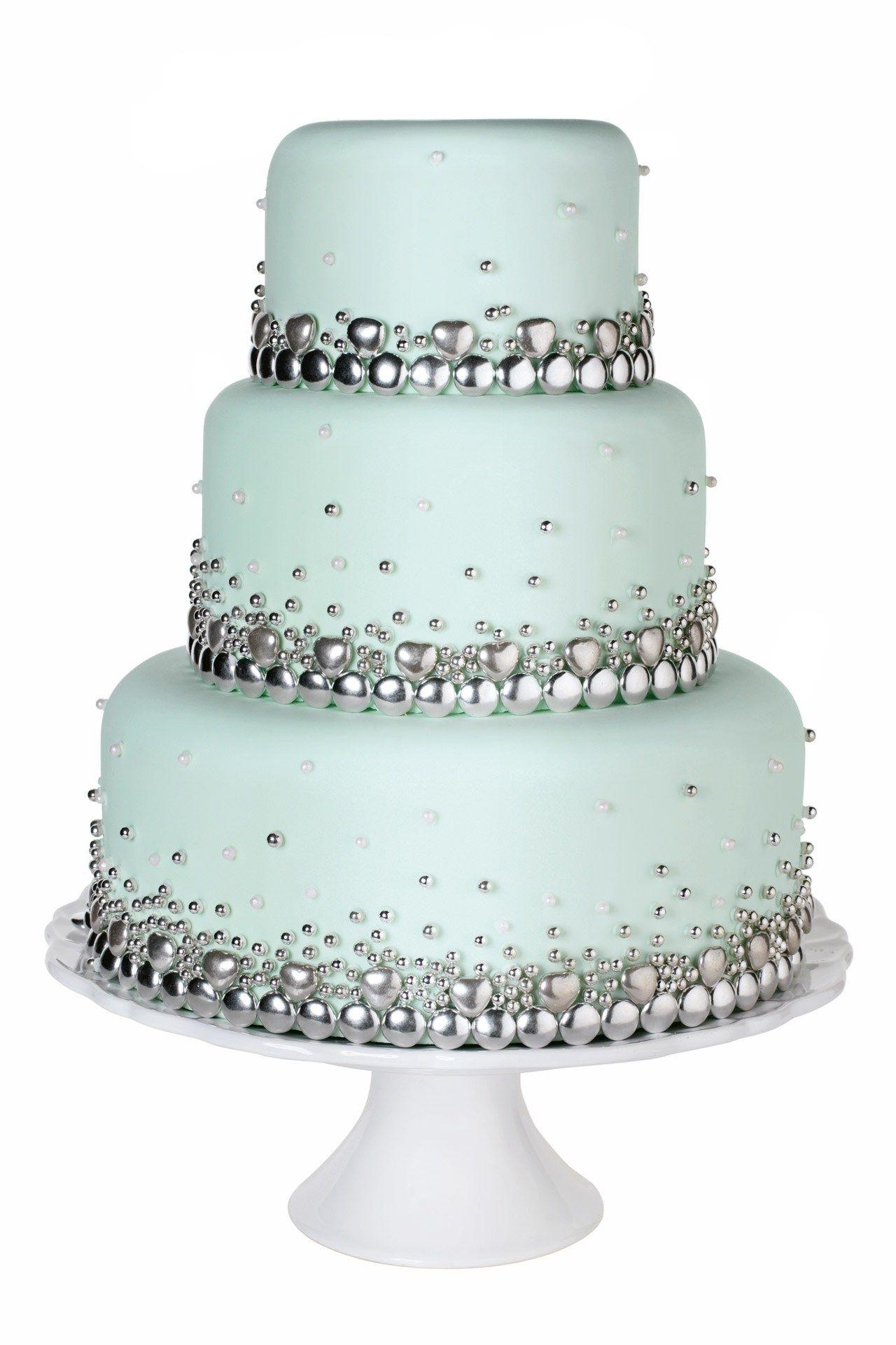 baking goes bling bling wedding cakes bling bling bling and cake. Black Bedroom Furniture Sets. Home Design Ideas