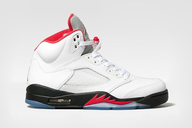 Air Jordan V Retro fire red 01 | Swagg, Accessoires, Style