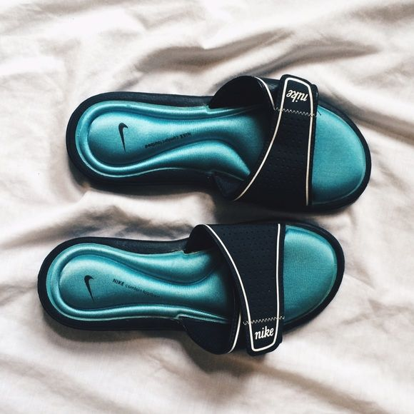 info for 0ce07 7419b Nike Gel Sandals Great condition! Used a couple of times but ...