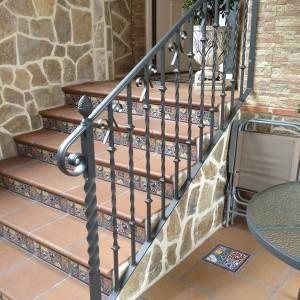 Escaleras de hierro forjado para exteriores google for Modelos de escaleras exteriores para casas