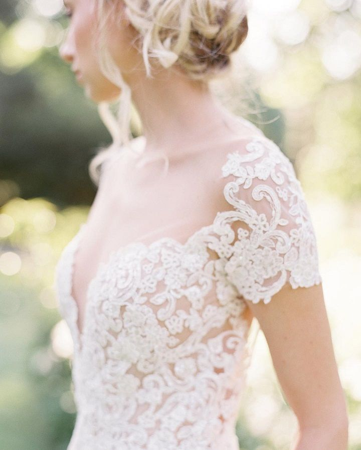 Beautiful Short Lace sleeve wedding dress | fabmood.com #weddingdress #weddingdresses #weddinggown #bridalgown #modernweddingdress #shortlacegown #shortsleevedress #shortsleeveweddinggown