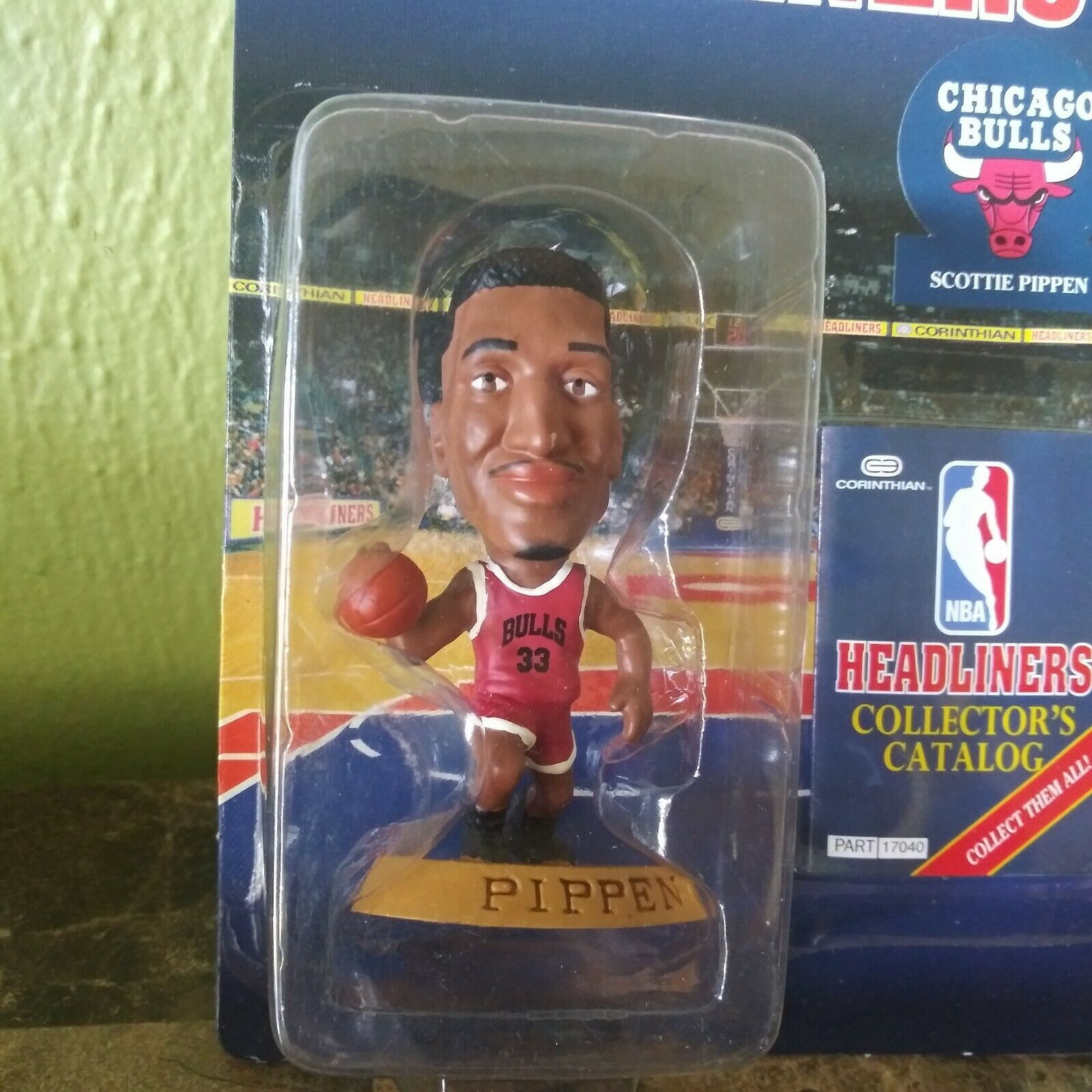 1997 Dennis Rodman Chicago Bulls Gold Hair Corinthian Headliners mint on card