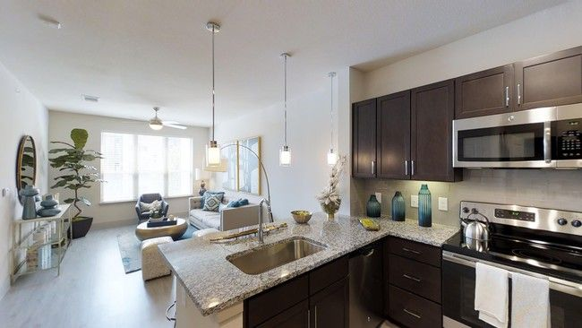 See All Available Apartments For Rent At Everly Apartments In Houston Tx Everly Apartments Has Rental Units R Houston Apartment Apartment Apartments For Rent