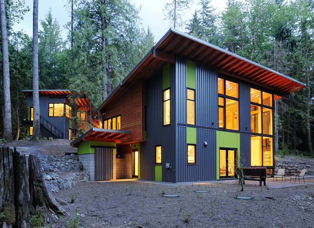 Sustainable forest retreat in Washington with lightfilled