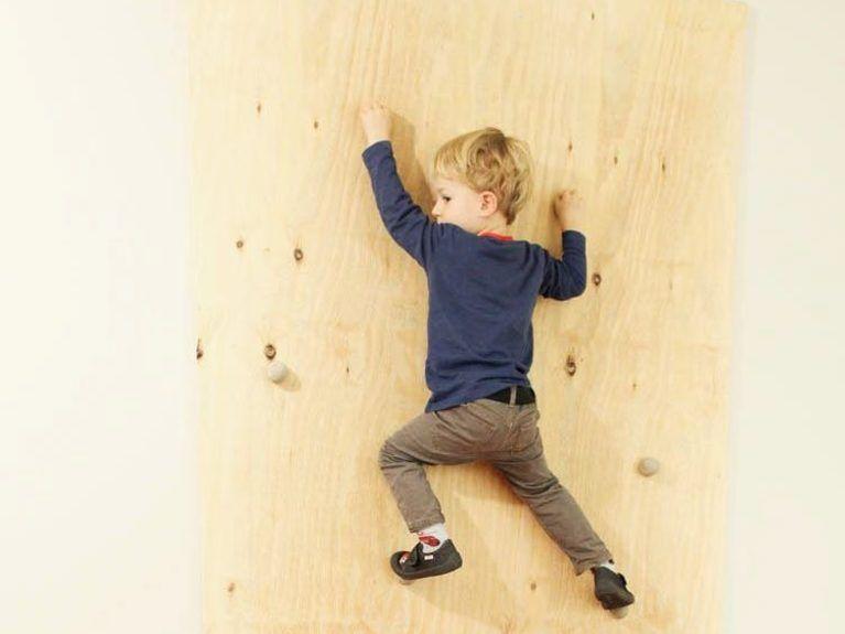 DIY-Anleitung: Kletterwand für Kinder selber bauen via ...