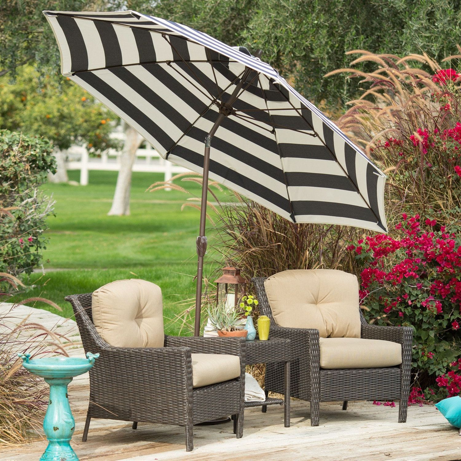 Stylish 9 Ft Market Patio Umbrella with Crank and Tilt in Navy and