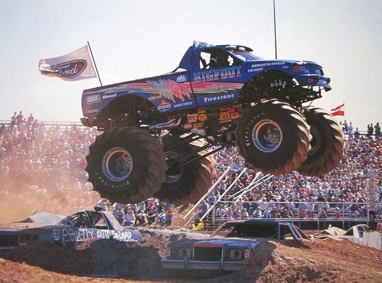 Bigfoot 15 With Images Monster Trucks Big Monster Trucks