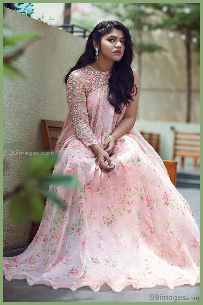 Aparna Balamurali Beautiful HD Photos & Mobile Wallpapers