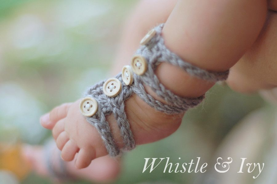 efc1d2c89fcd Baby Barefoot Gladiator Sandals - Free pattern for these adorable baby  barefoot sandals. Quick and easy to make