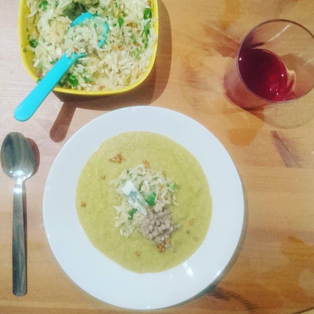 On a fait la dernière recette de Mademoiselle Tomate dans notre vaisselle en bambou et c'était trop bon  #légumes #soupe #céleri  #fitfam #recette #healthylifestyle #végétarien #reequilibrage