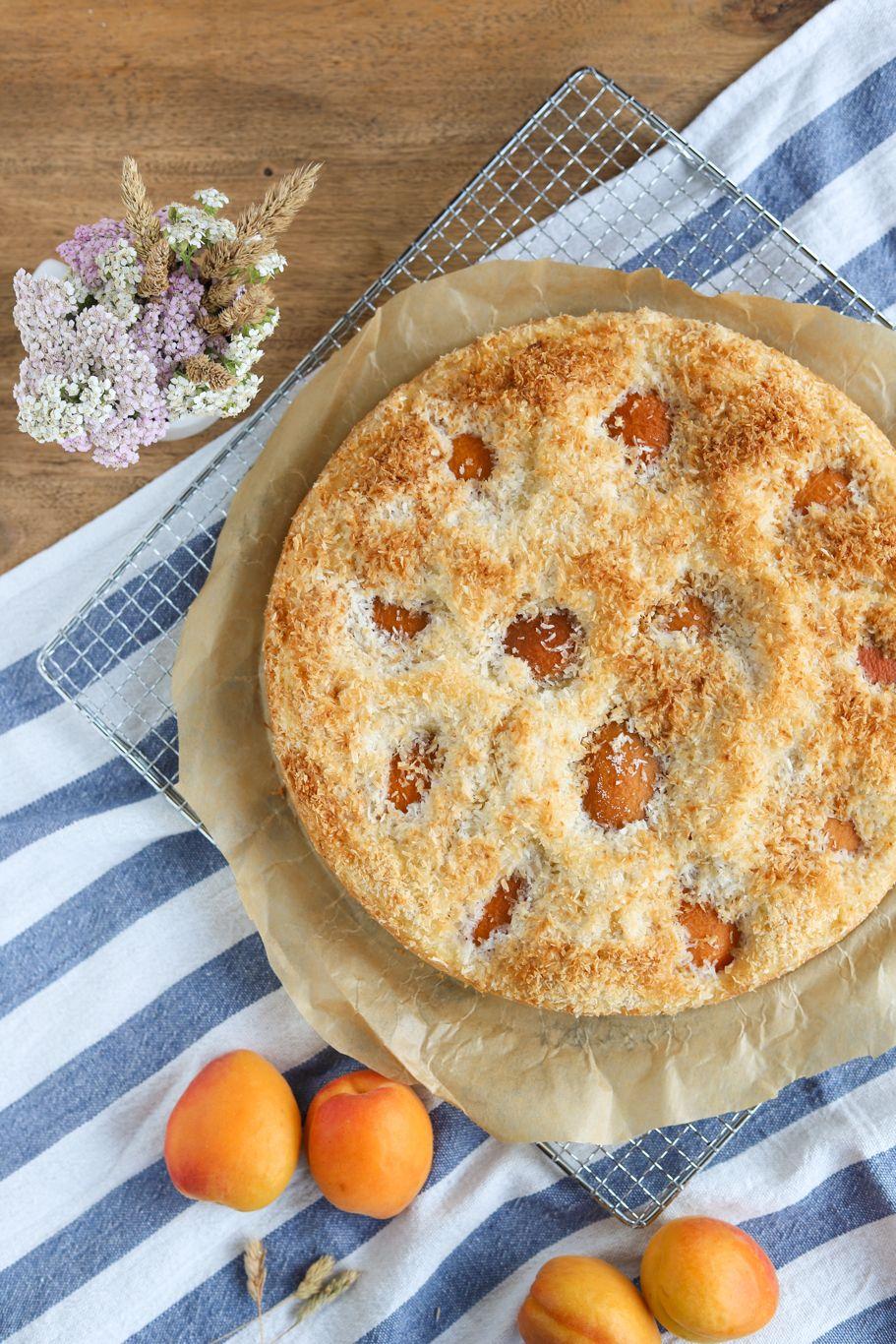 Aprikosen-Kokos-Kuchen - sommerlicher Rührkuchen - krimiundkeks #kuchentisch