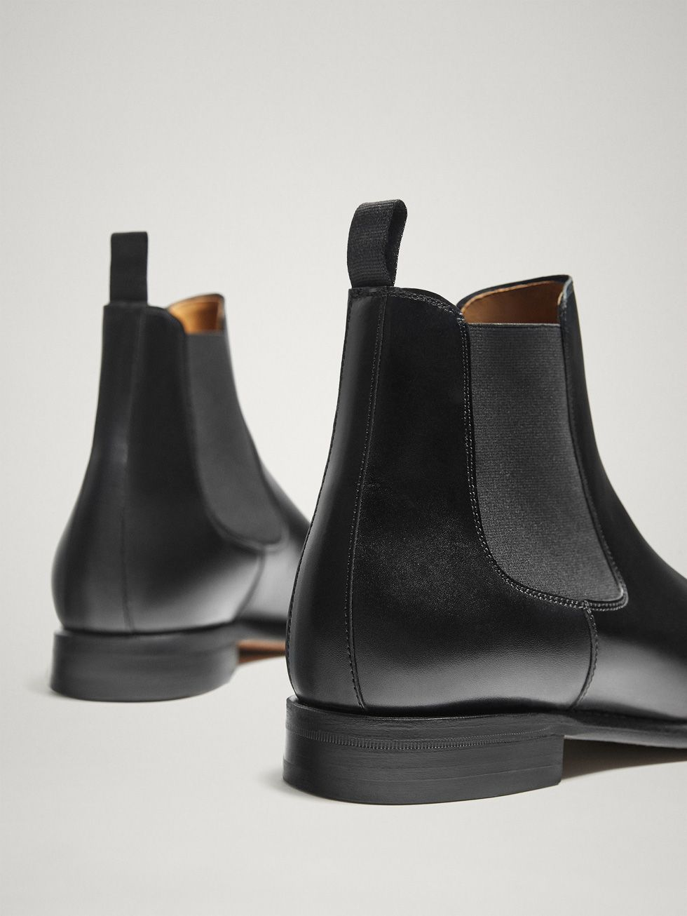 watch d4bb4 3b172 LIMITED EDITION GOODYEAR BLACK LEATHER STRETCH ANKLE BOOTS - - Massimo Dutti