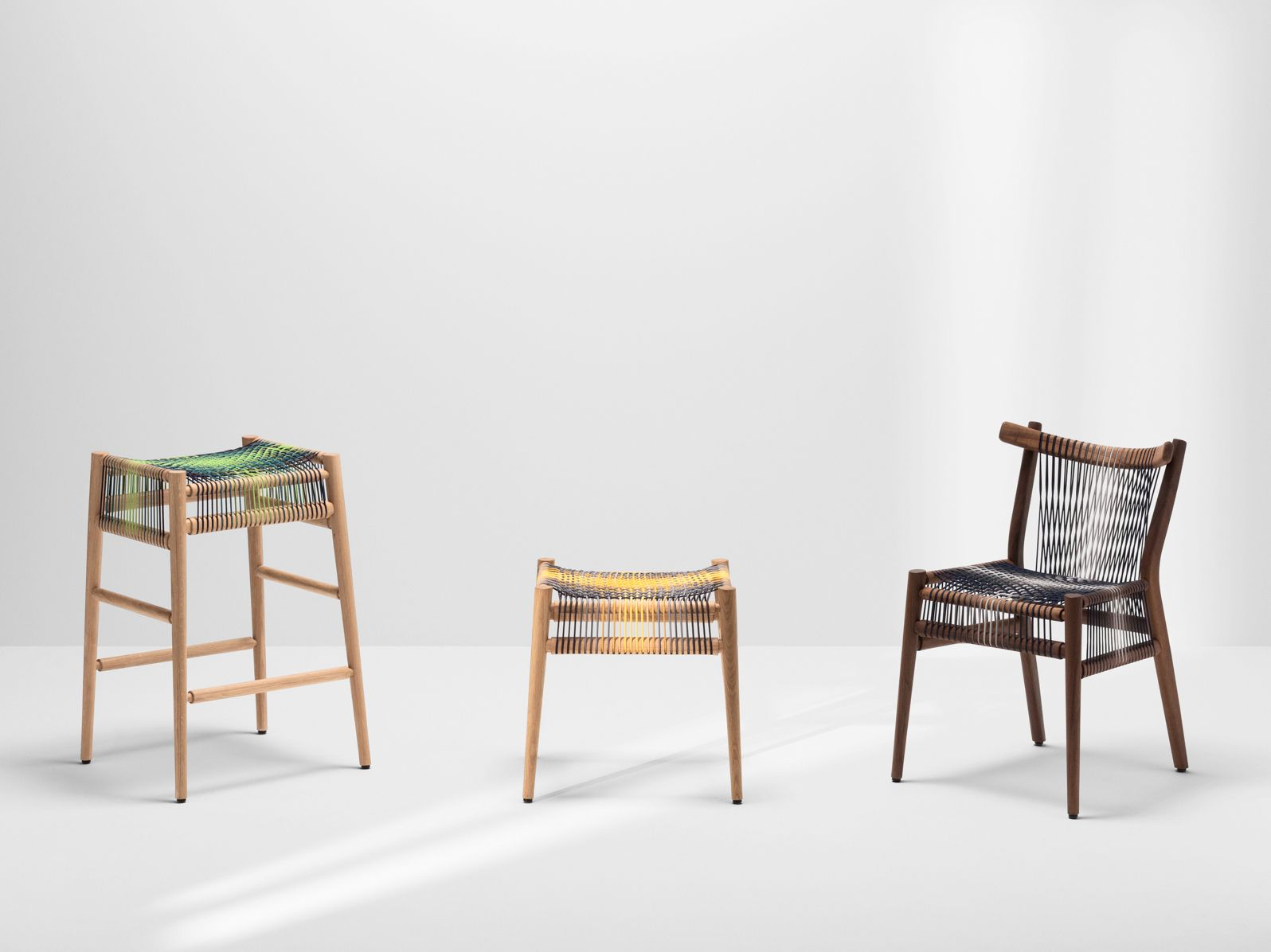 Sgabello Thonet ~ Loom by ptolemy mann sgabello basso collezione loom by h furniture
