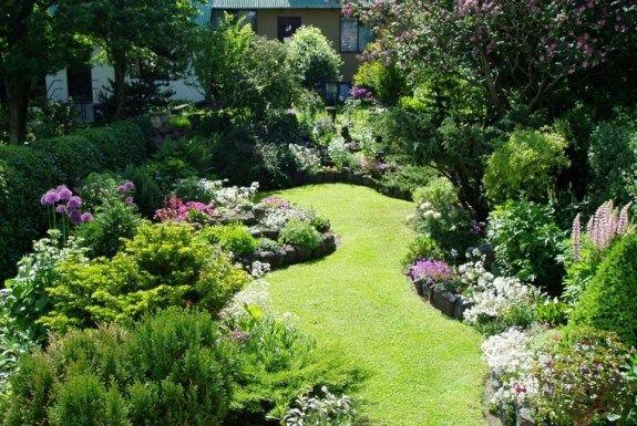 petit jardin id es pour un joli petit espace hage pinterest ext rieur fleur et jardins. Black Bedroom Furniture Sets. Home Design Ideas