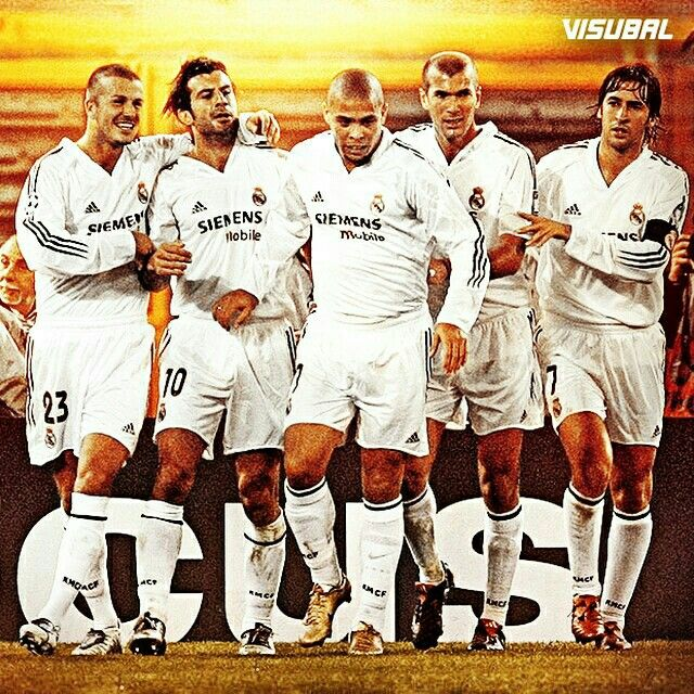 Too Many Legends In One Picture Beckham Figo Ronaldo Zidane Raul Fotos De Futbol Equipo De Futbol Real Madrid Futbol