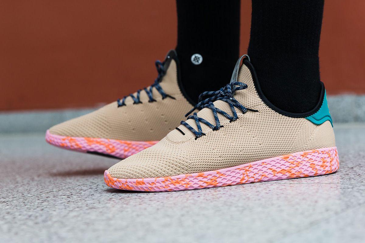 On Foot Adidas Originals X Pharell Williams Tennis Hu Bold Colors Pack Met Afbeeldingen Sneaker