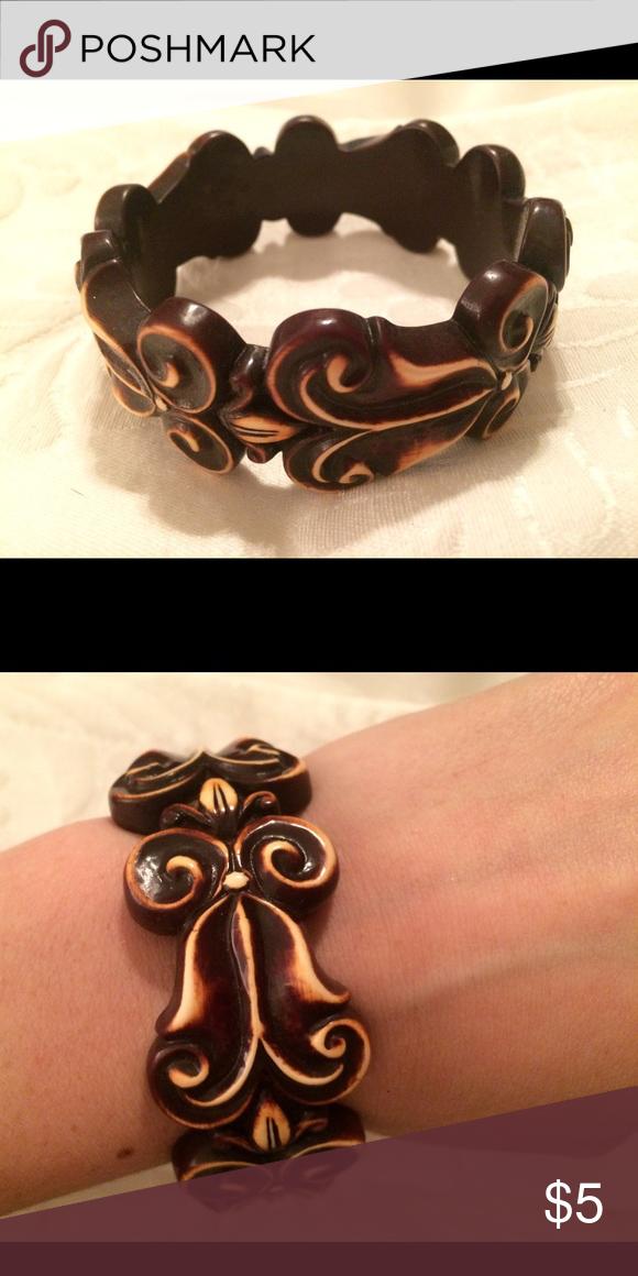 Wood carved bangle Beautiful wood carved bangle Jewelry Bracelets