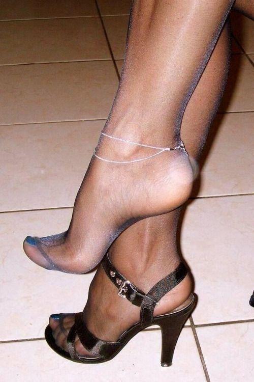 Pretty toe high heel and nylon fetish photos 459