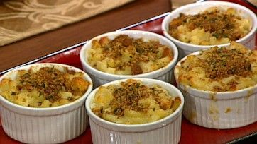 Baked Macaroni/'s and Cheese with Black Truffle Oil