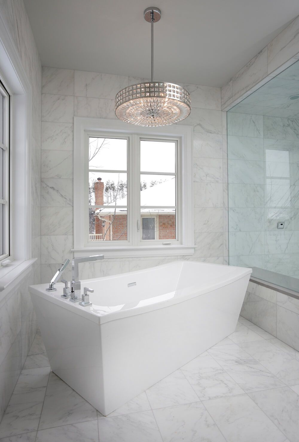 80 Master Bathrooms With Chandelier Lighting Photos White