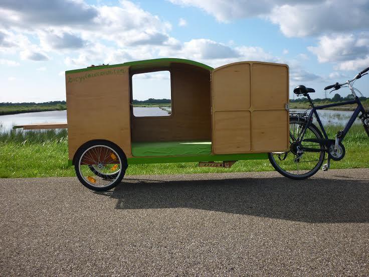 Fahrradwohnwagen Fahrrad Karawane Fahrrad Wohnwagen Fahrrad Fahrradtour