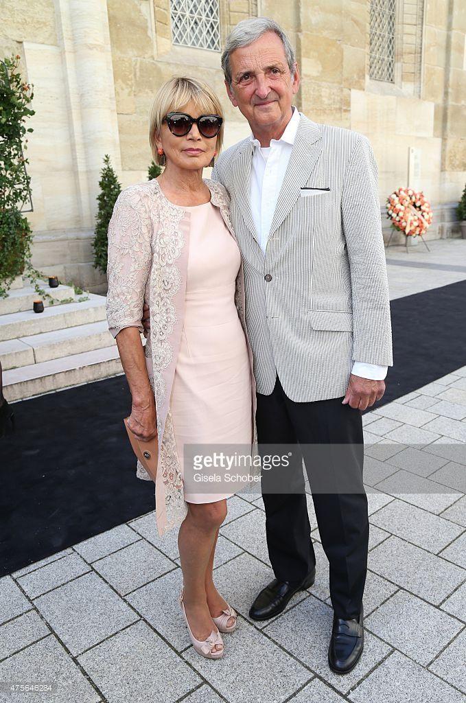 Uschi Glas And Her Husband Dieter Hermann During The Gerd Kaefer Style Bekleidung Zeitlose Mode Modestil