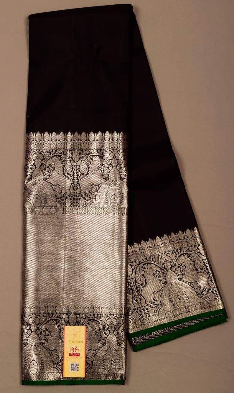 Photo of Pure handloom Kanchipuram silk saree with big silver border, blouse