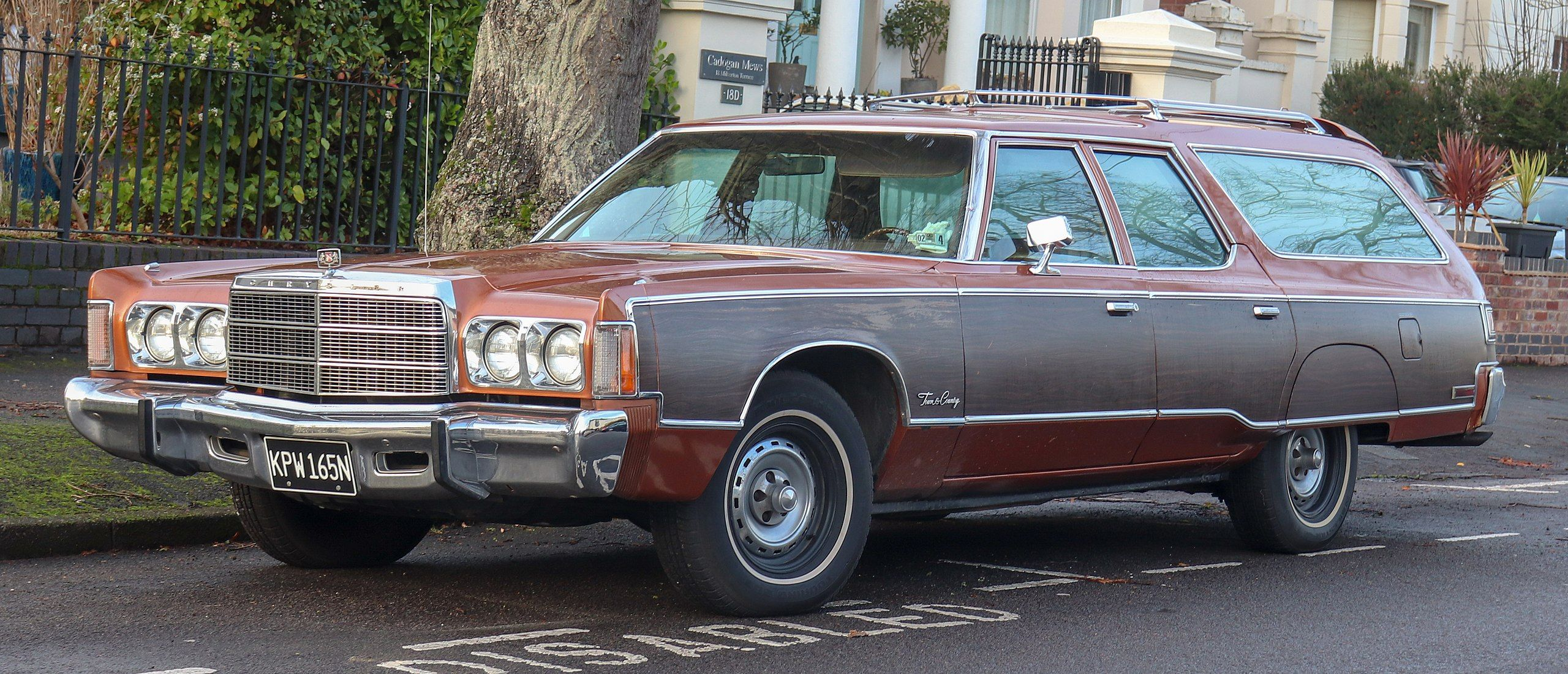1975 Chrysler Town Country Station Wagon 7 2 Front Chrysler
