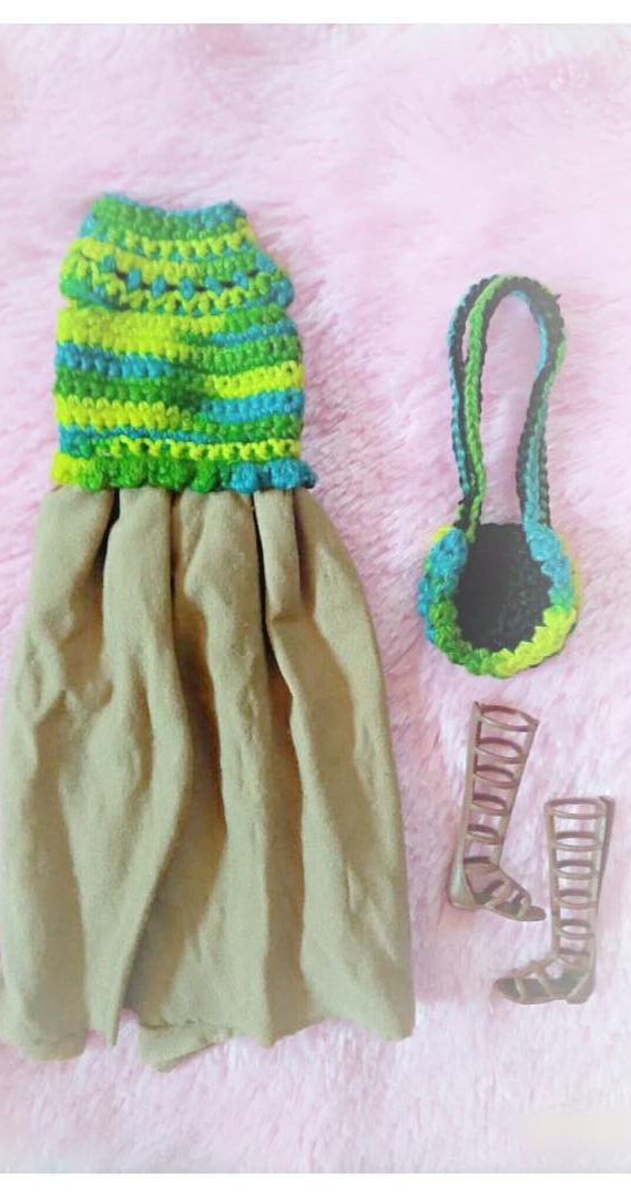 27 Free Crochet Barbie Clothing Model Ideas With You Colorize Your Toys! - Page 5 of 27 #crochetedbarbiedollclothes
