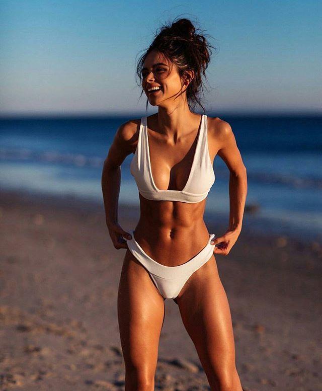 aa120fbc38324 Pinterest: Valeria Rodríguez | body goals | Sophia miacova, Bikinis ...