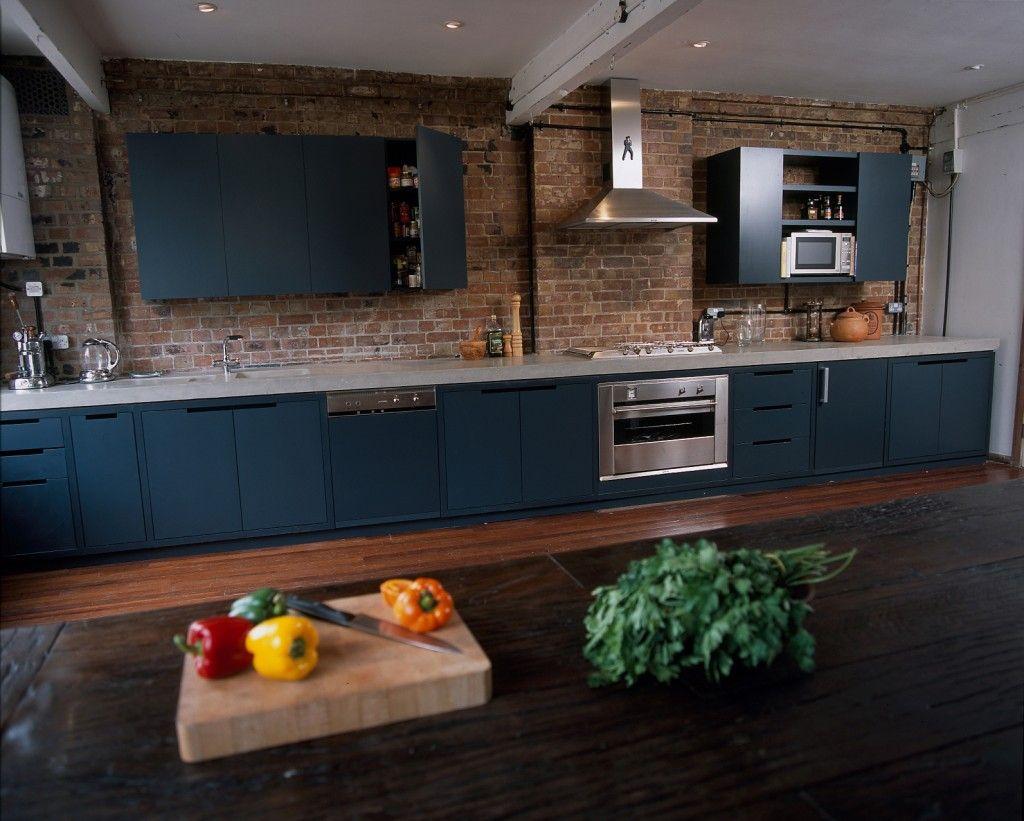 Concrete worktop and handmade kitchen (Amok)