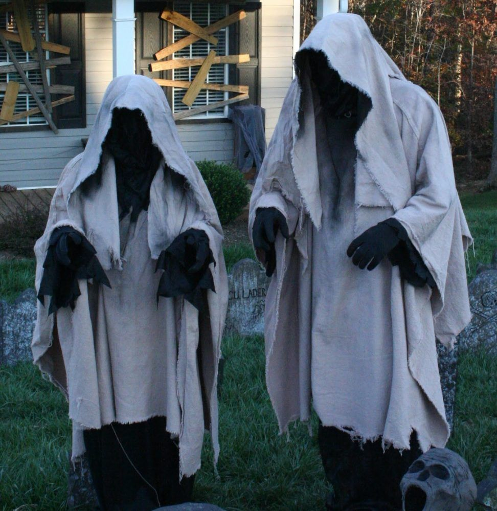 40+ Funny  Scary Halloween Ghost Decorations Ideas Halloween yard - Halloween Yard Decorations Ideas
