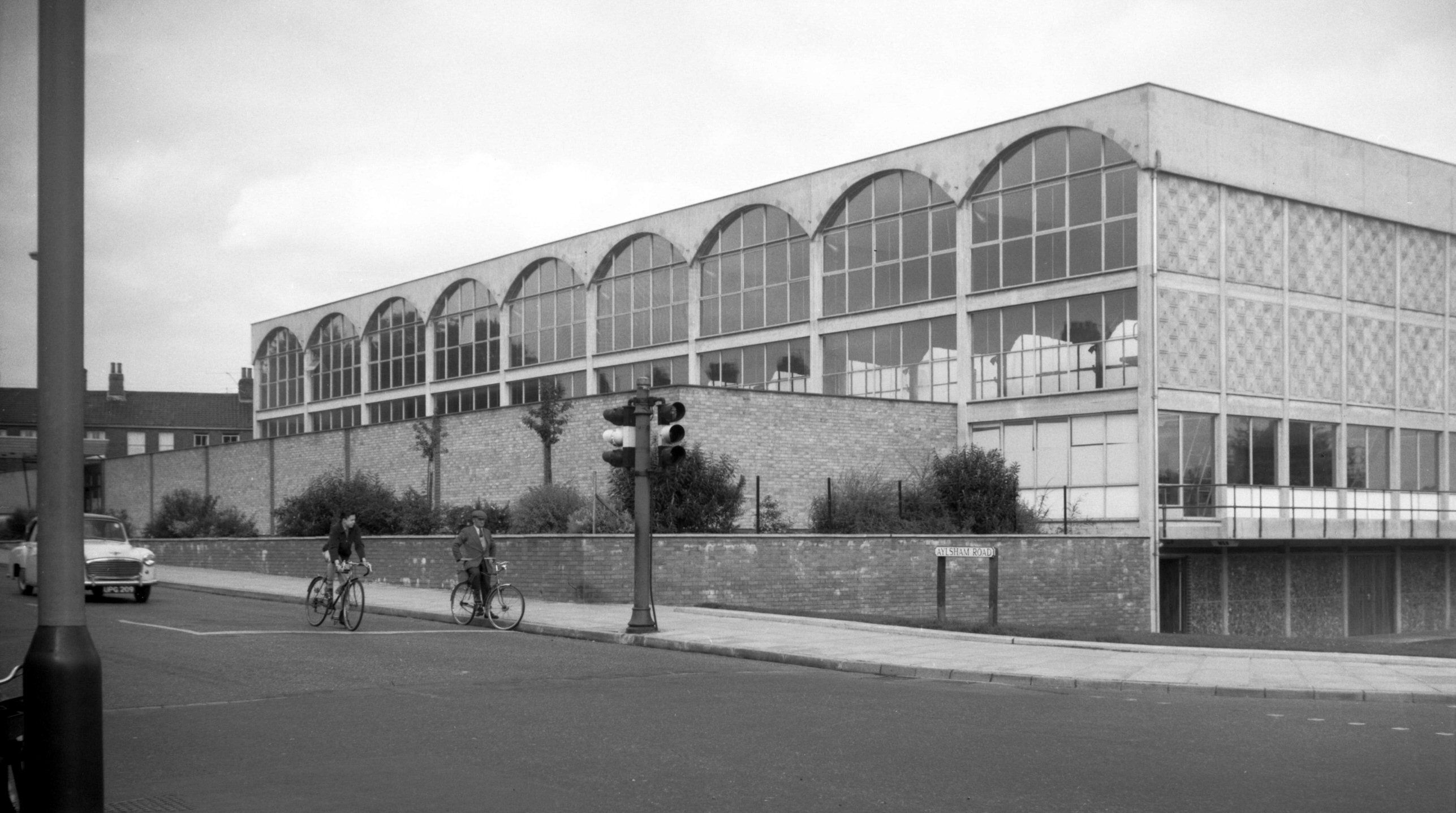 St augustines swimming pool 1962 george plunkett history in 2019 pinterest norfolk for Hotels in norwich with swimming pools