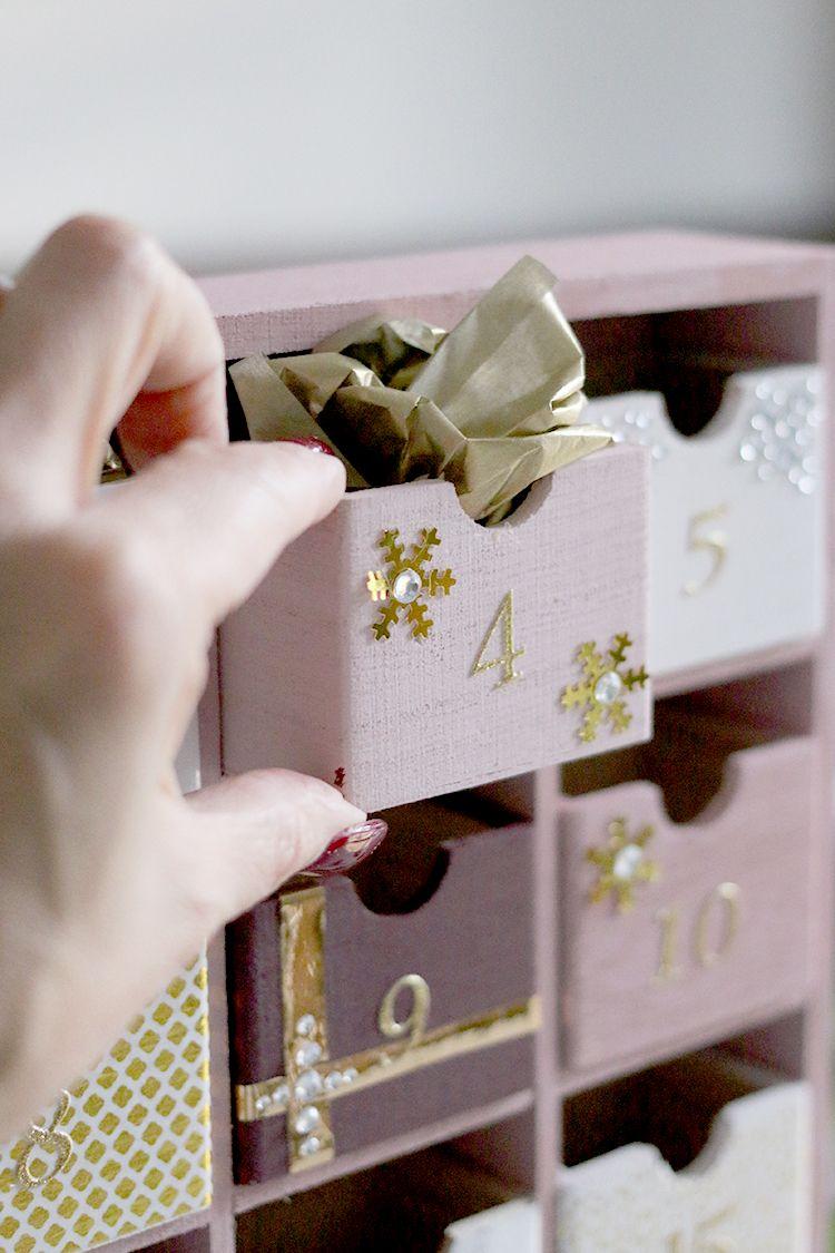 Glam Pink & Gold Reusable DIY Advent Calendar #calendrierdel#39;aventdiy
