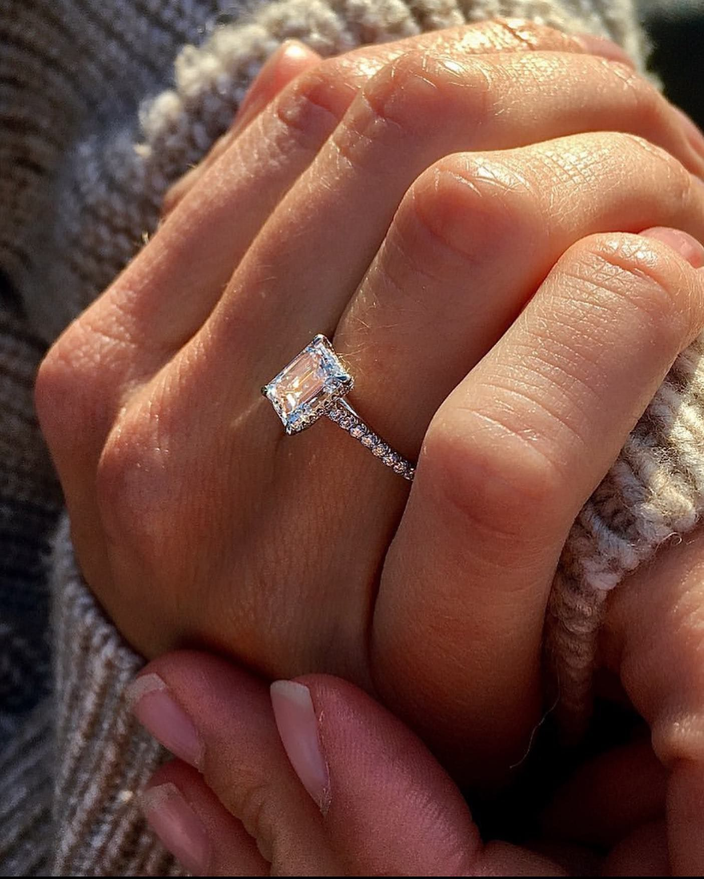Details about  /2.00 CT Near Colorless Forever Moissanite Engagement Ring 925 Sterling Silver