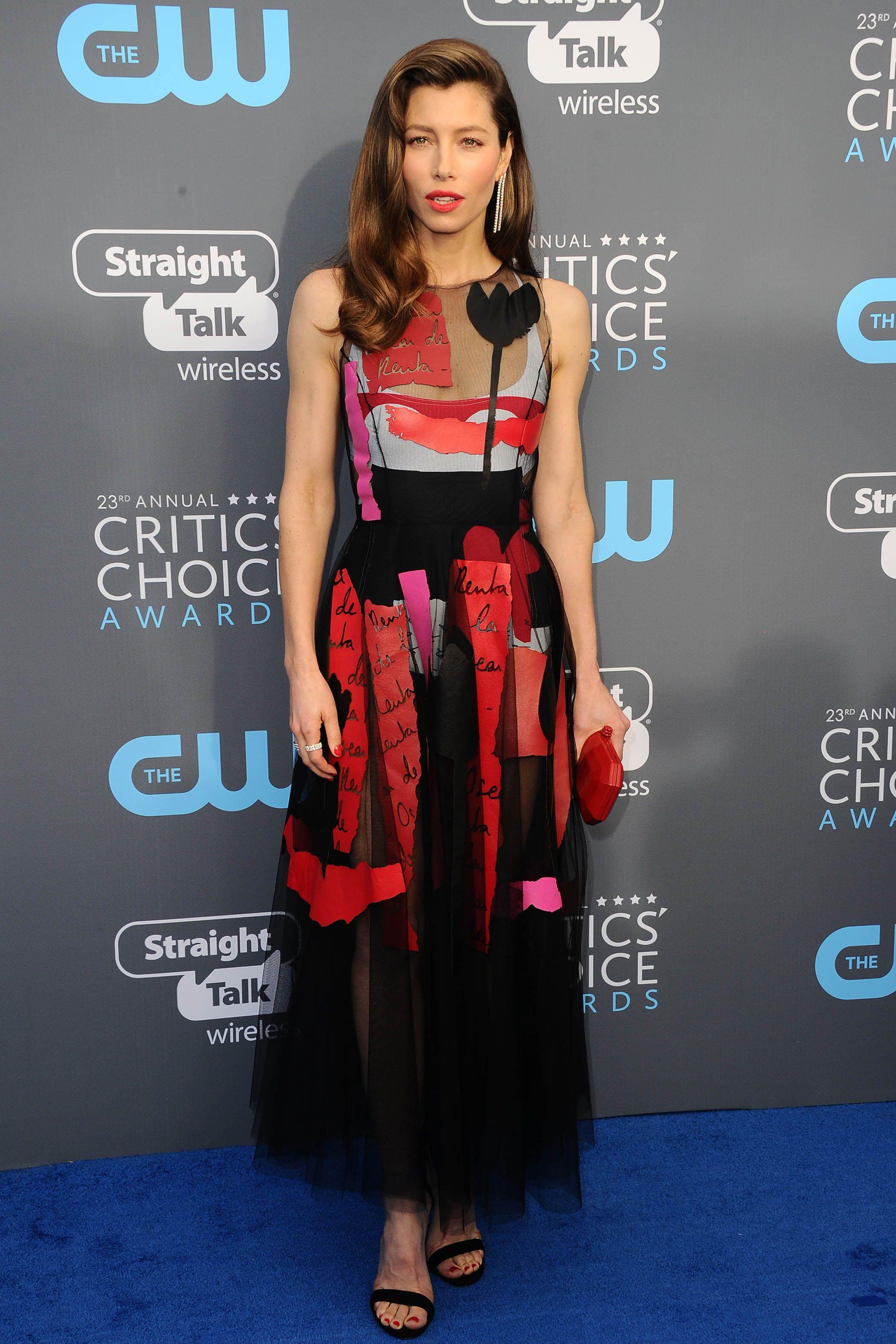 Jessica Biel in Oscar de la Renta   Critics Choice Awards 2018