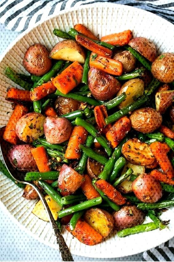 Vegetables With Garlic And Herbs This Vegetarian Recipes is so flavorful. The best recipe yThis Veg