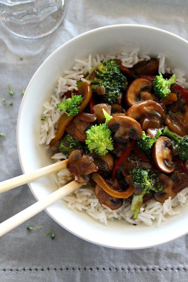 mushroom broccoli & ginger stir fry