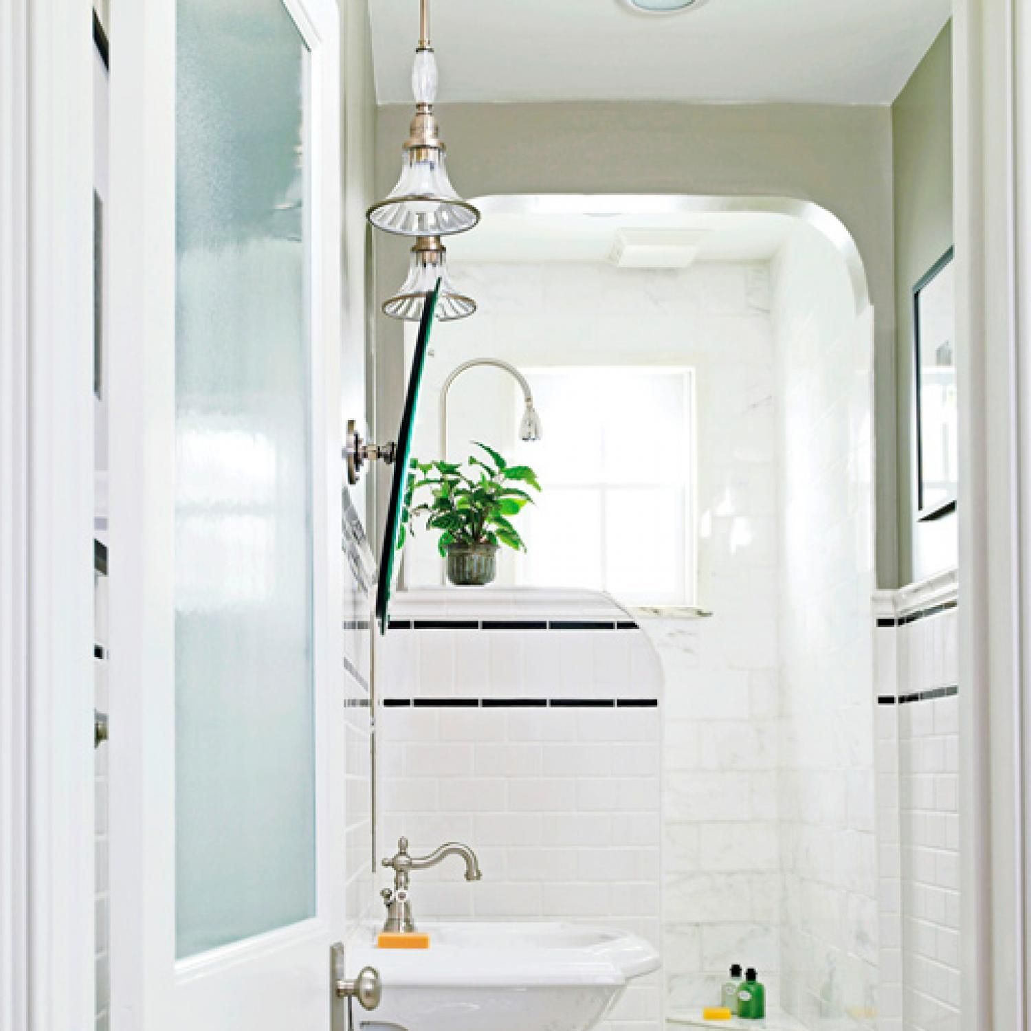 Beau Check Out These Stylish Storage Ideas For Keeping A Small Bathroom Or  Powder Room Organized And Efficient